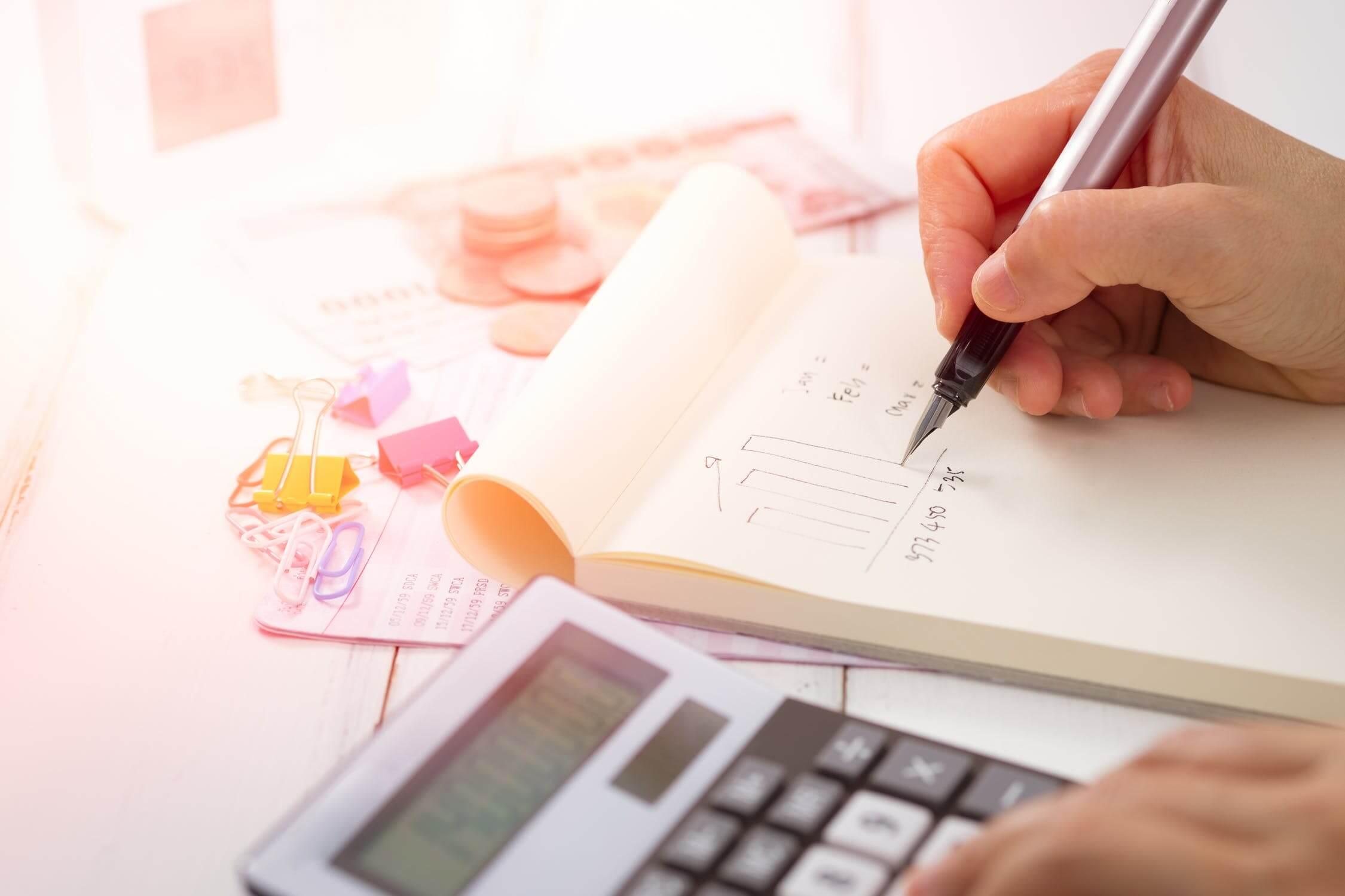 עמית עשת מורה דרך פיננסי פודקאסט כסף והשקעות